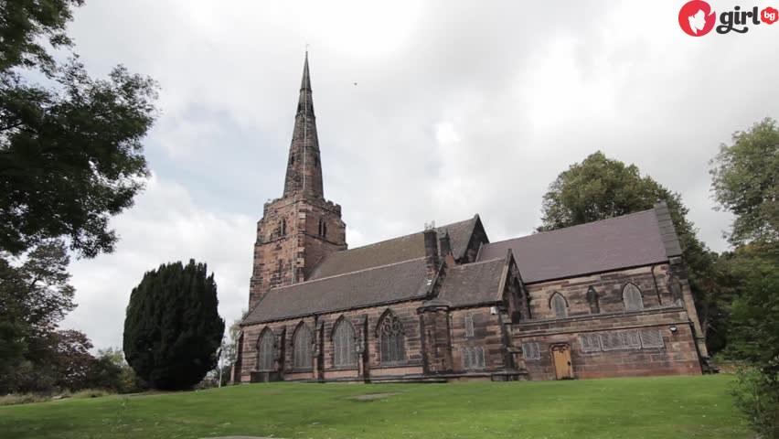 Стара изоставена църква
