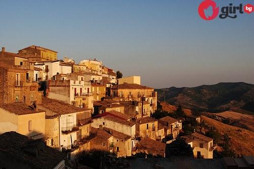 италианско градче дава къщи