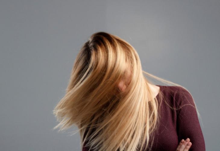 Експерти по трихология назоваха 5 причини за силен косопад при жените