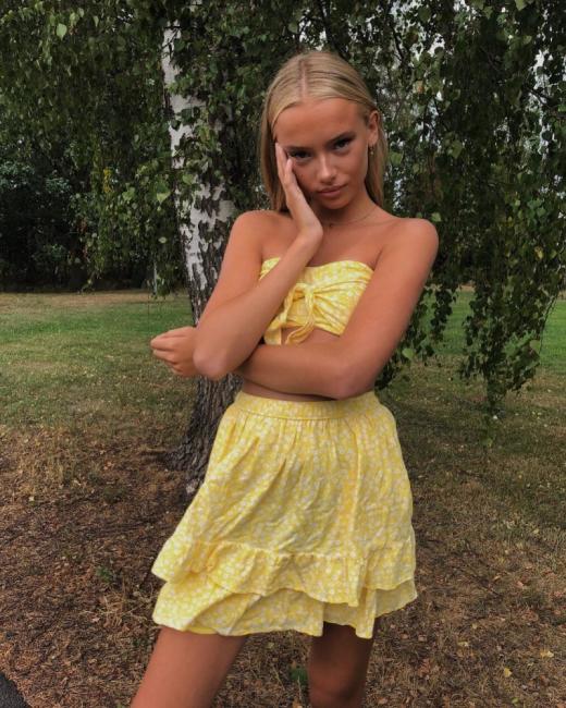 17-годишната красавица Ема взе акъла на хиляди в мрежата, а след това ги попари с шокиращо разкритие за себе си
