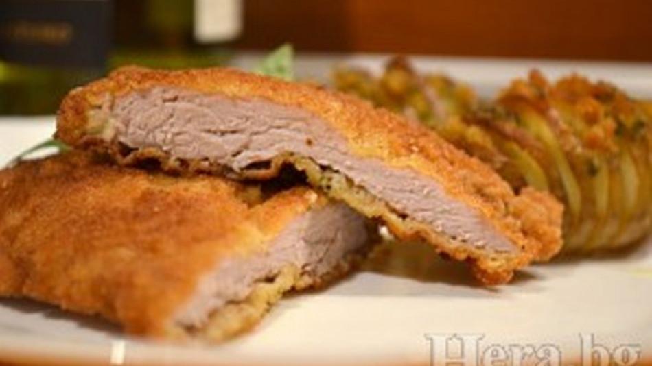Няма друга такава вкусотия! Тази рецепта за виенски шницел ще накара гостите ви да си оближат пръстите! (СНИМКИ)