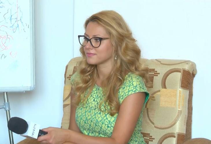 България скърби за убитата журналистка Виктория