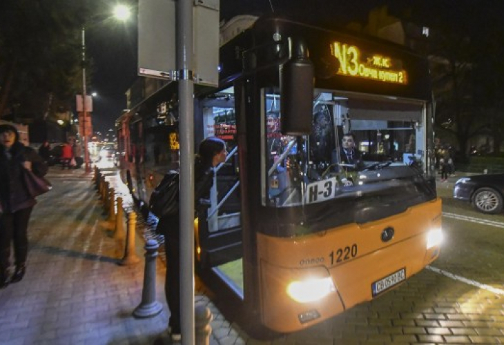 Експериментът Нощен транспорт в София Ето колко билета продадоха
