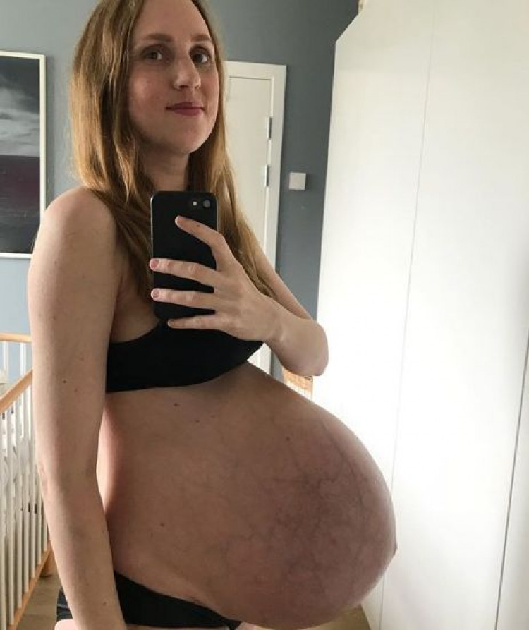 Мария показа какво е да си бременна с тризнаци (СНИМКИ)