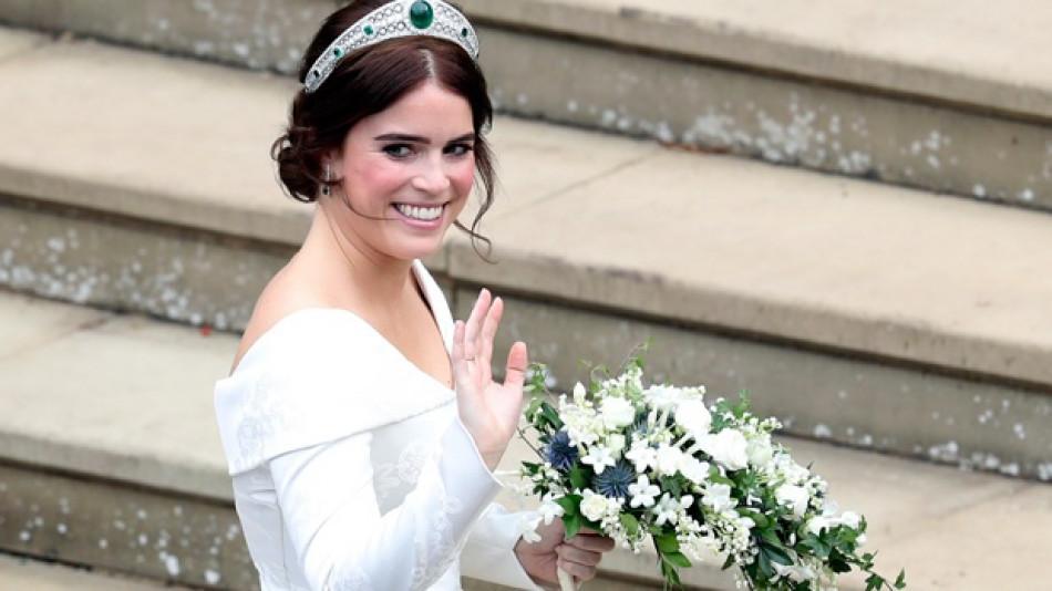 Принцеса Евгения прикова погледите на всички с разкошната си сватбена рокля и разкри болезнена тайна от миналото, променила живота й (СНИМКИ/ВИДЕО)