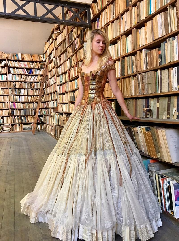 Тези рокли са толкова зашеметяващи, че самата Пепеляшка би пожелала да отиде с тях на бала (СНИМКИ)