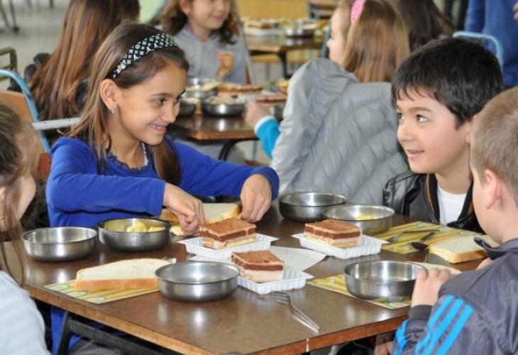 Училища се отказват от програмата за безплатни закуски